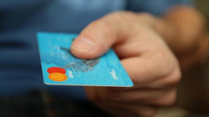 pirmas kreditas nemokamai